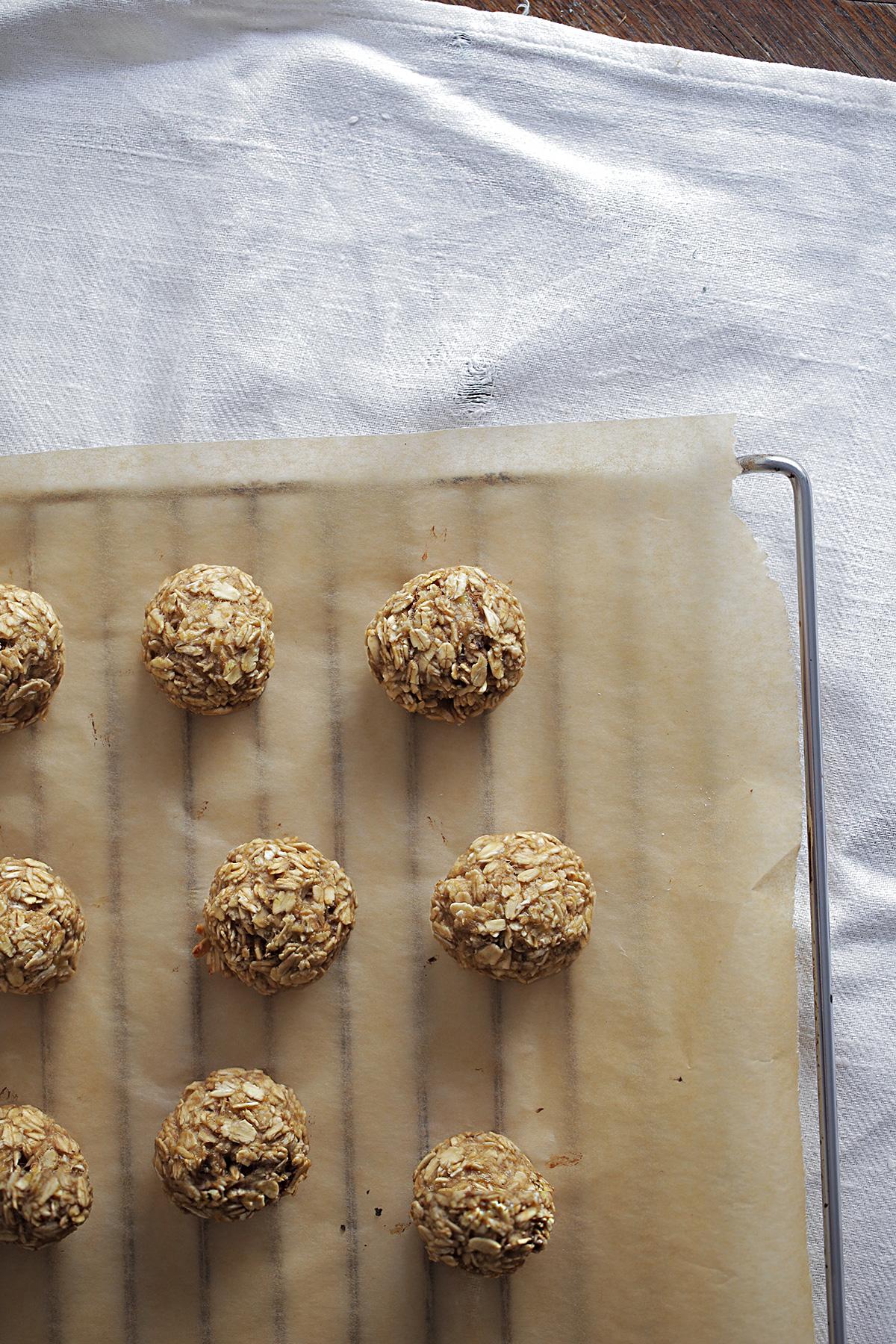 banana-oatmeal-balls.jpg