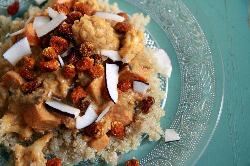 kukkakaali-bataatti-curry.jpg