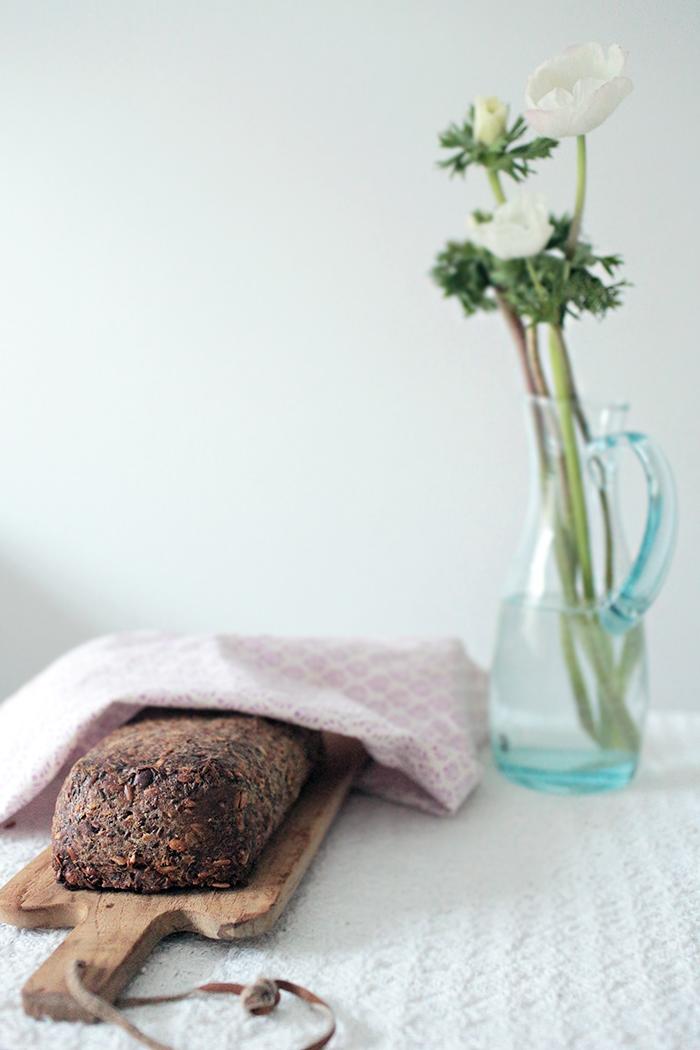 siemen-pähkinä-leipä-1.jpg
