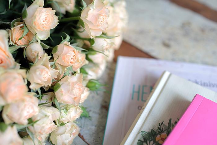 kirjan-ja-ruusun-päivä.jpg