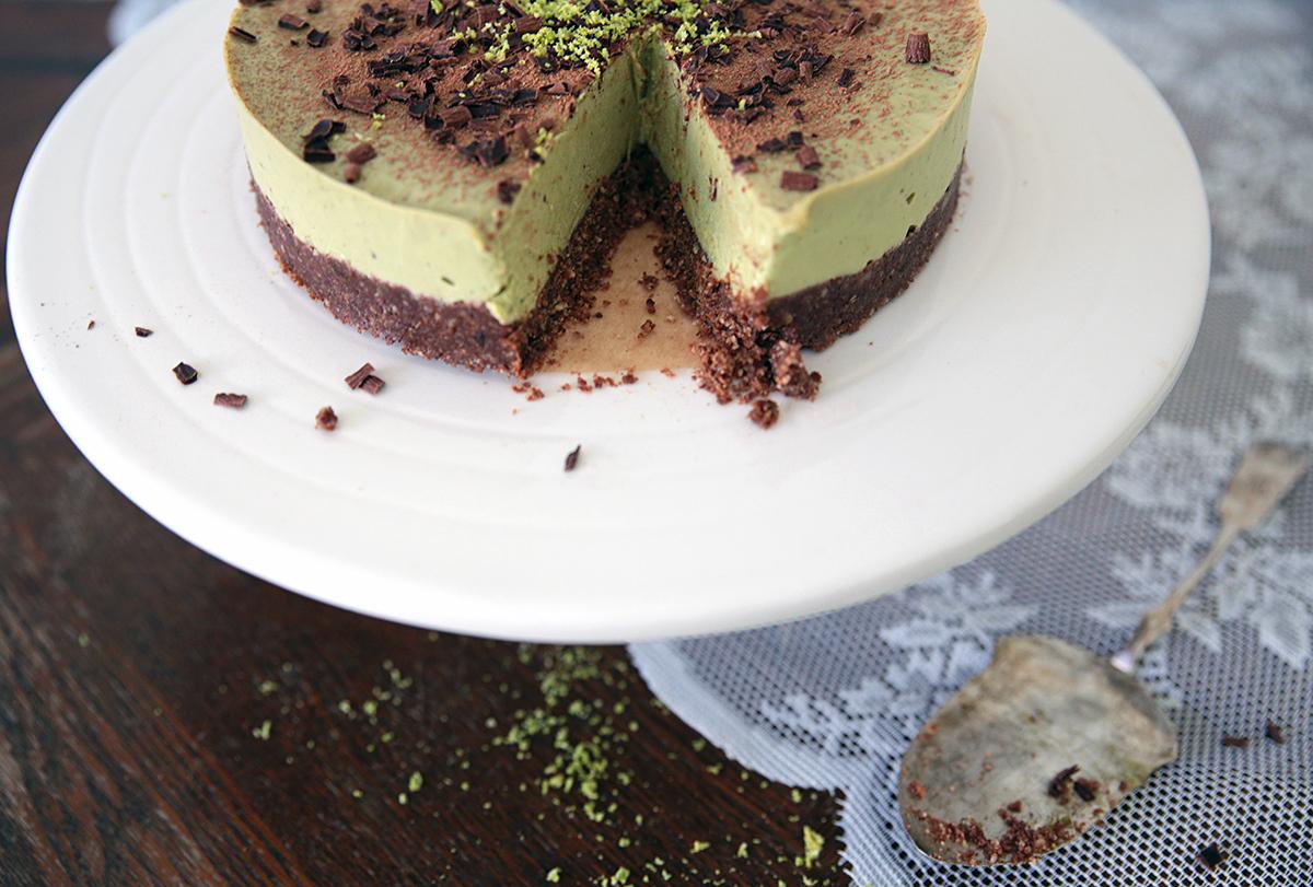 lime-suklaa-kakku-leikattu.jpg