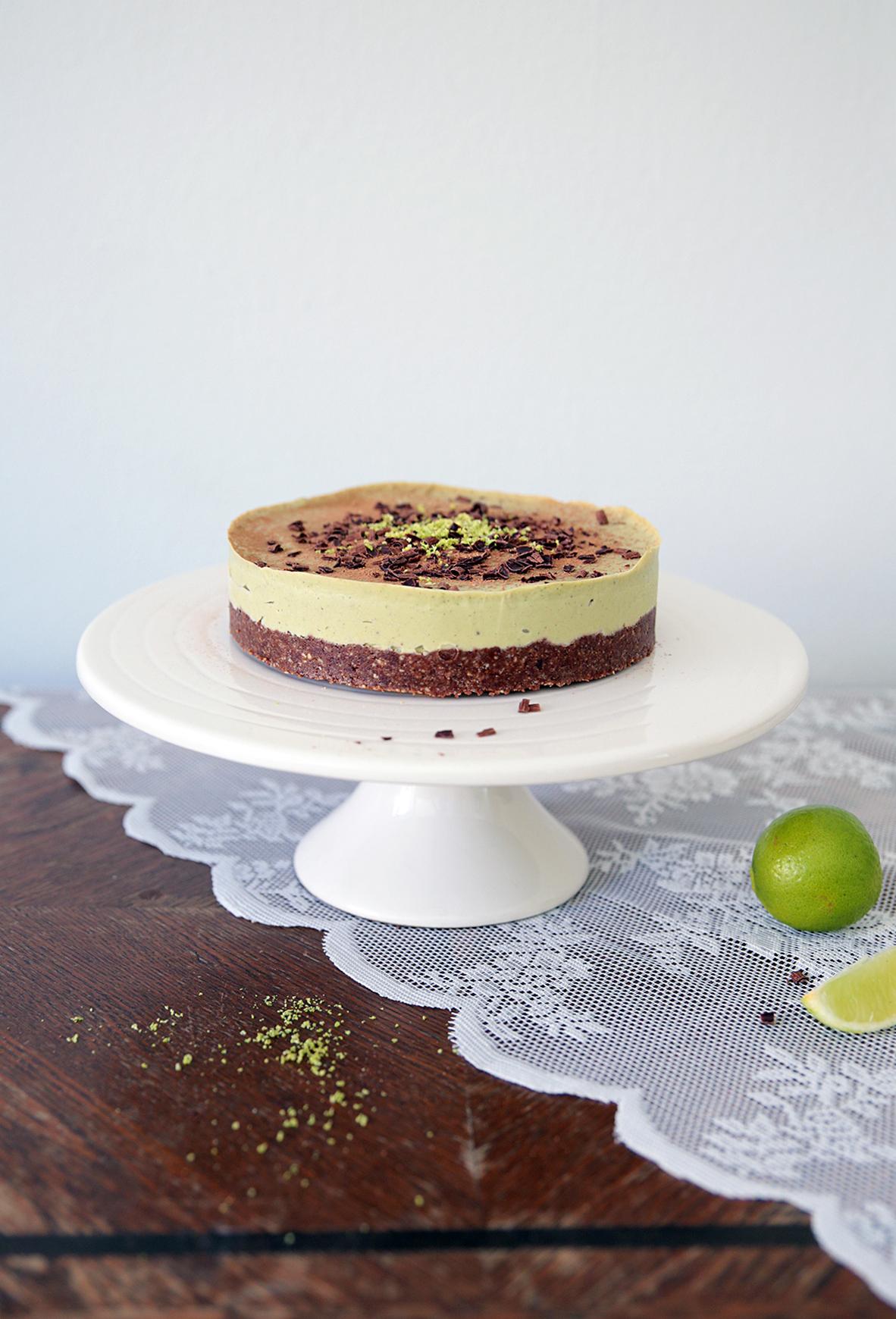 raw-lime-chocolate-avokado-cake-recipe.jpg