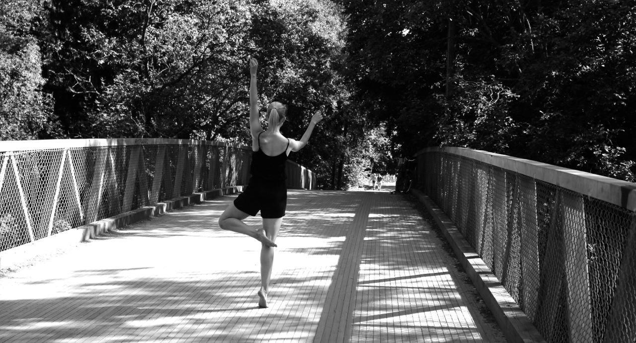 img_0480_dance3.jpg