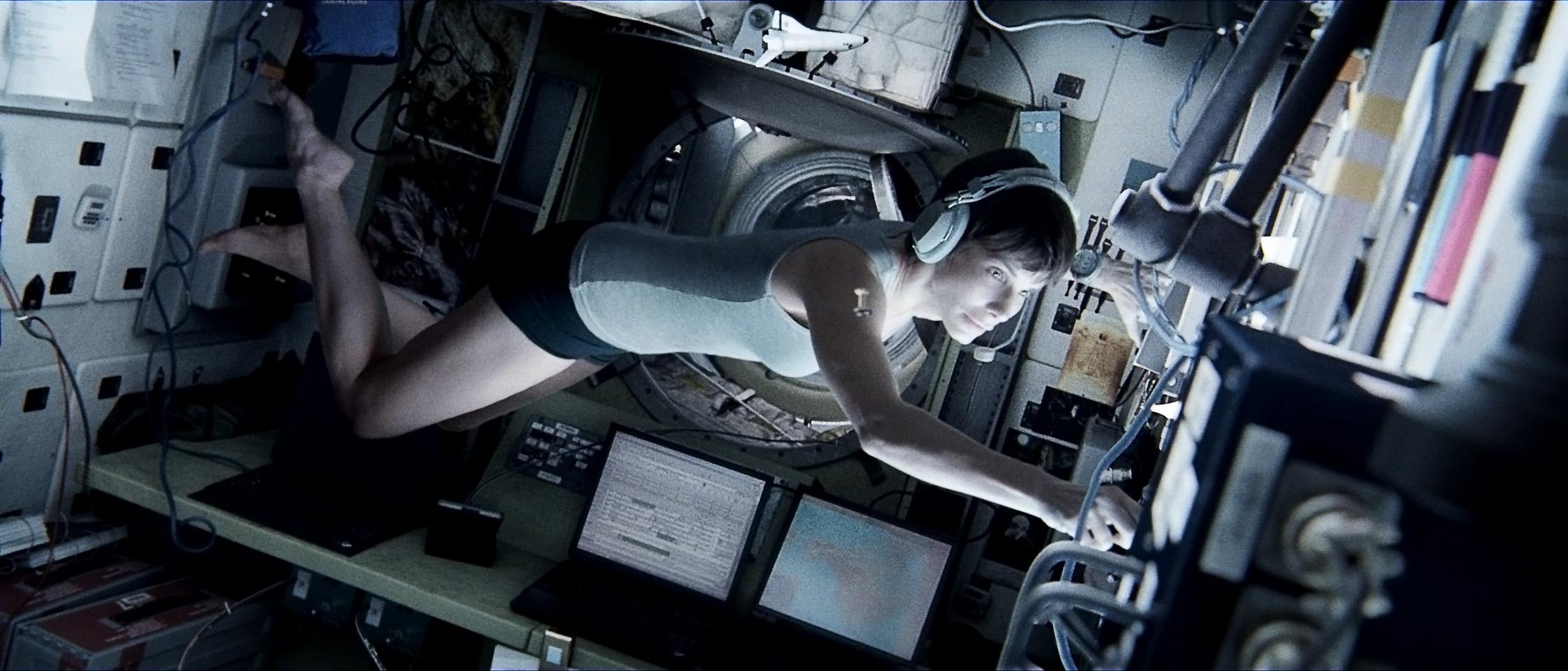 gravity-still-1.jpg