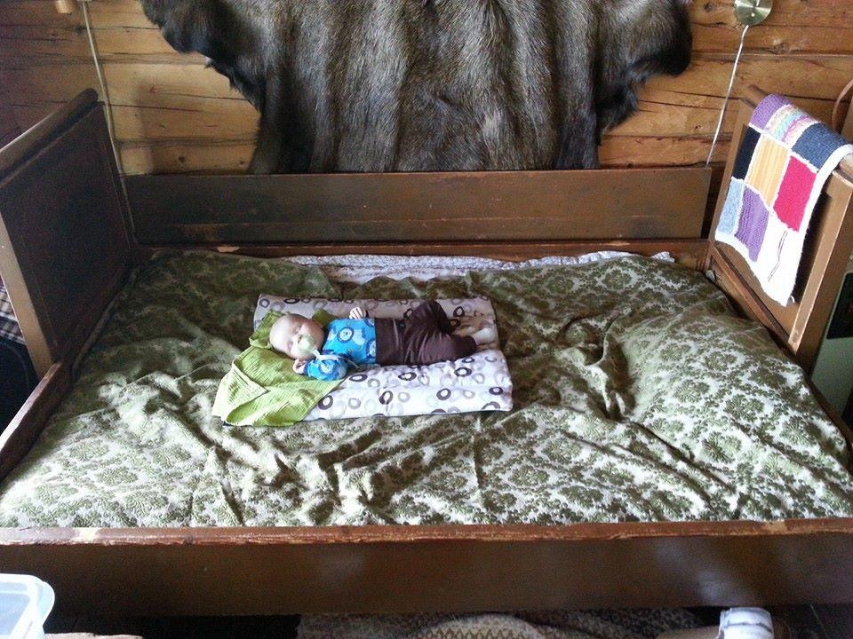 Iso sänky.jpg