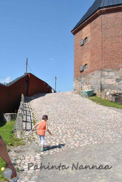 Ritareita etsimässä Hämeen linnassa