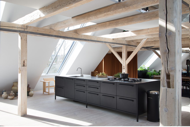 Vipp-Loft-Kitchen04.jpg
