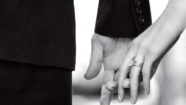 tiffany_hands_-_mennaan_vaan.jpg