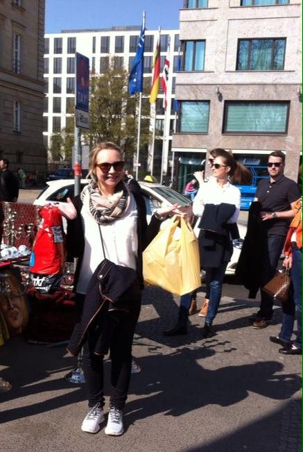 Berliinistä kotiutunut crazy Bag Lady kuittaa