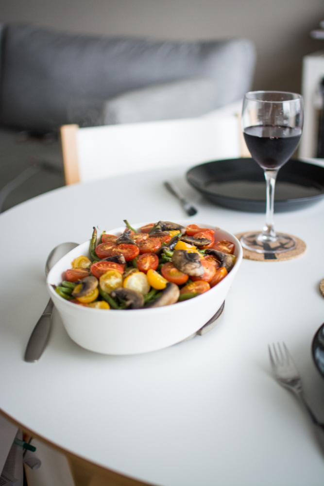 paahdetut-vihreat-pavut-tomaatit-sienet-3.jpg