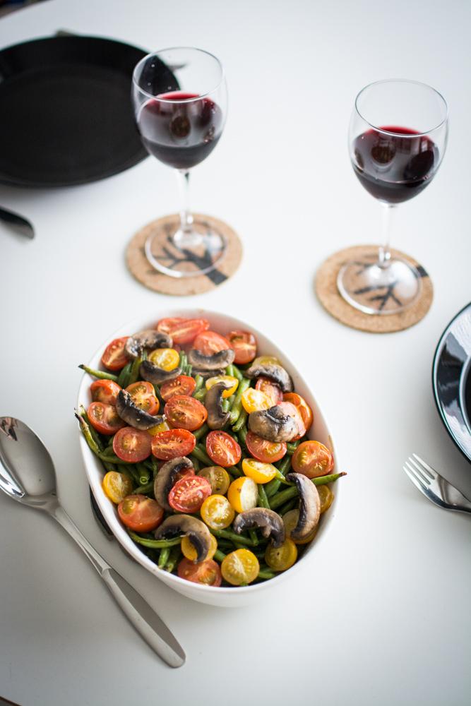 paahdetut-vihreat-pavut-tomaatit-sienet-4.jpg