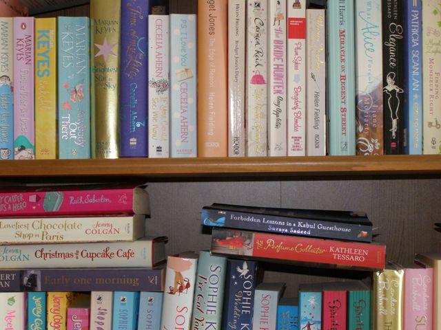 To Kindle or Not to Kindle? Siinäkö ratkaisu täyteen kirjahyllyyn? Kerro kokemuksistasi!