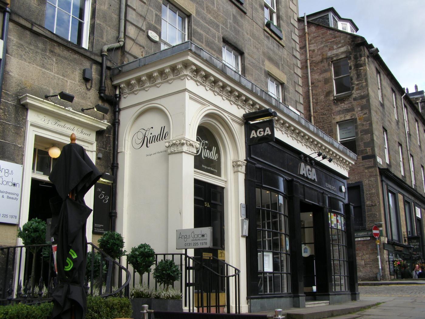 CHICK LIT -FANIN UNELMAKAUPPA EDINBURGHISSA… (Kirjabloggaaja Edinburghissa osa 4)