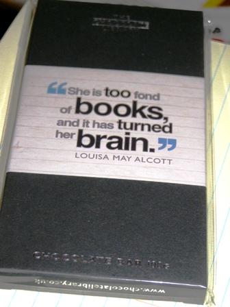 too fond of books suklaa pieni.jpg
