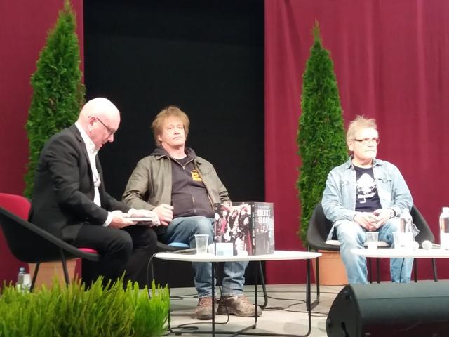 Martti Syrjä ja Mikko Saarela Turun kirjamessuilla Twitter.jpg