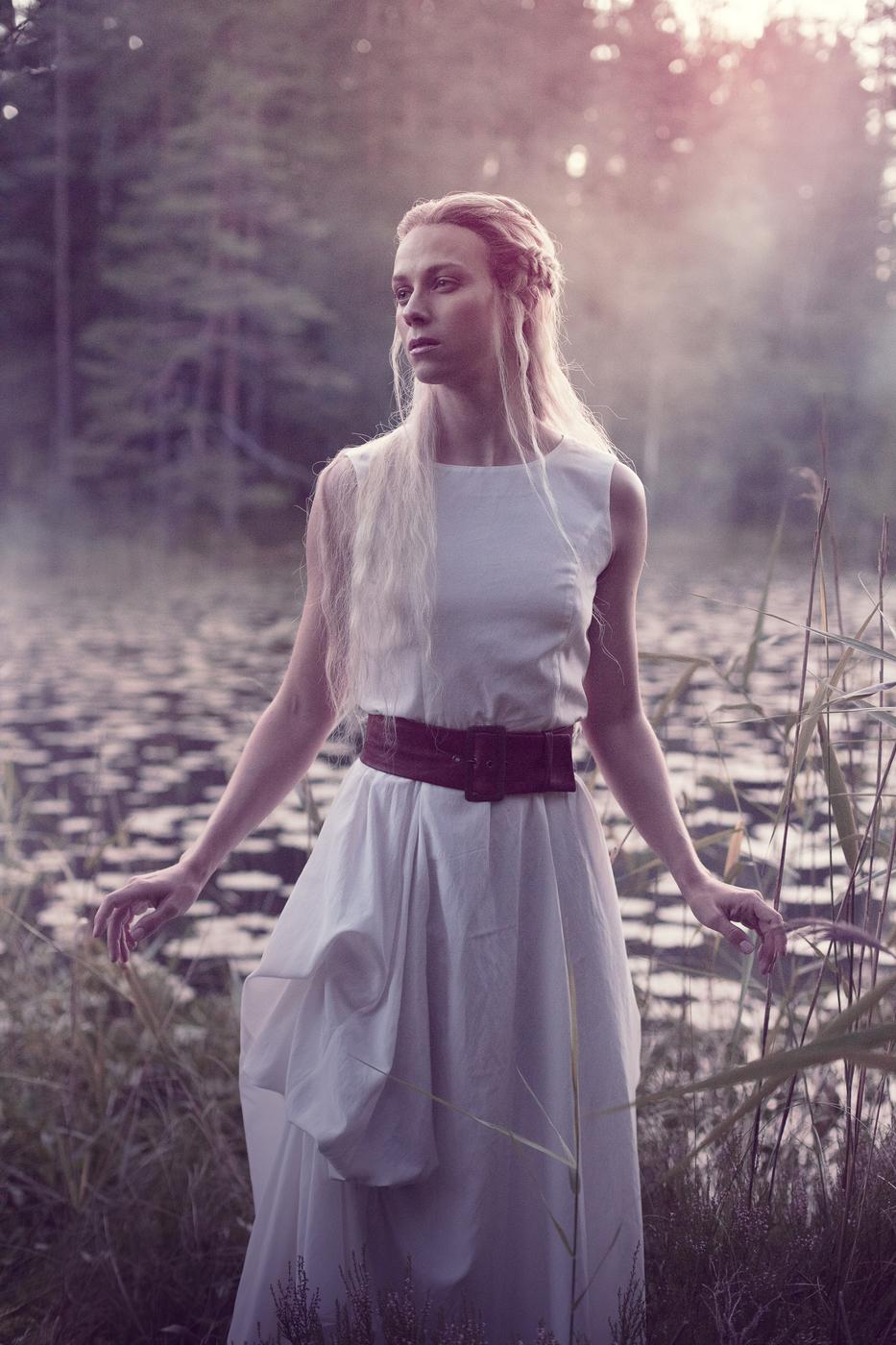 Kalevalanmaa-Ballet_Aino_Photo-Saara-Salmi-1.jpg