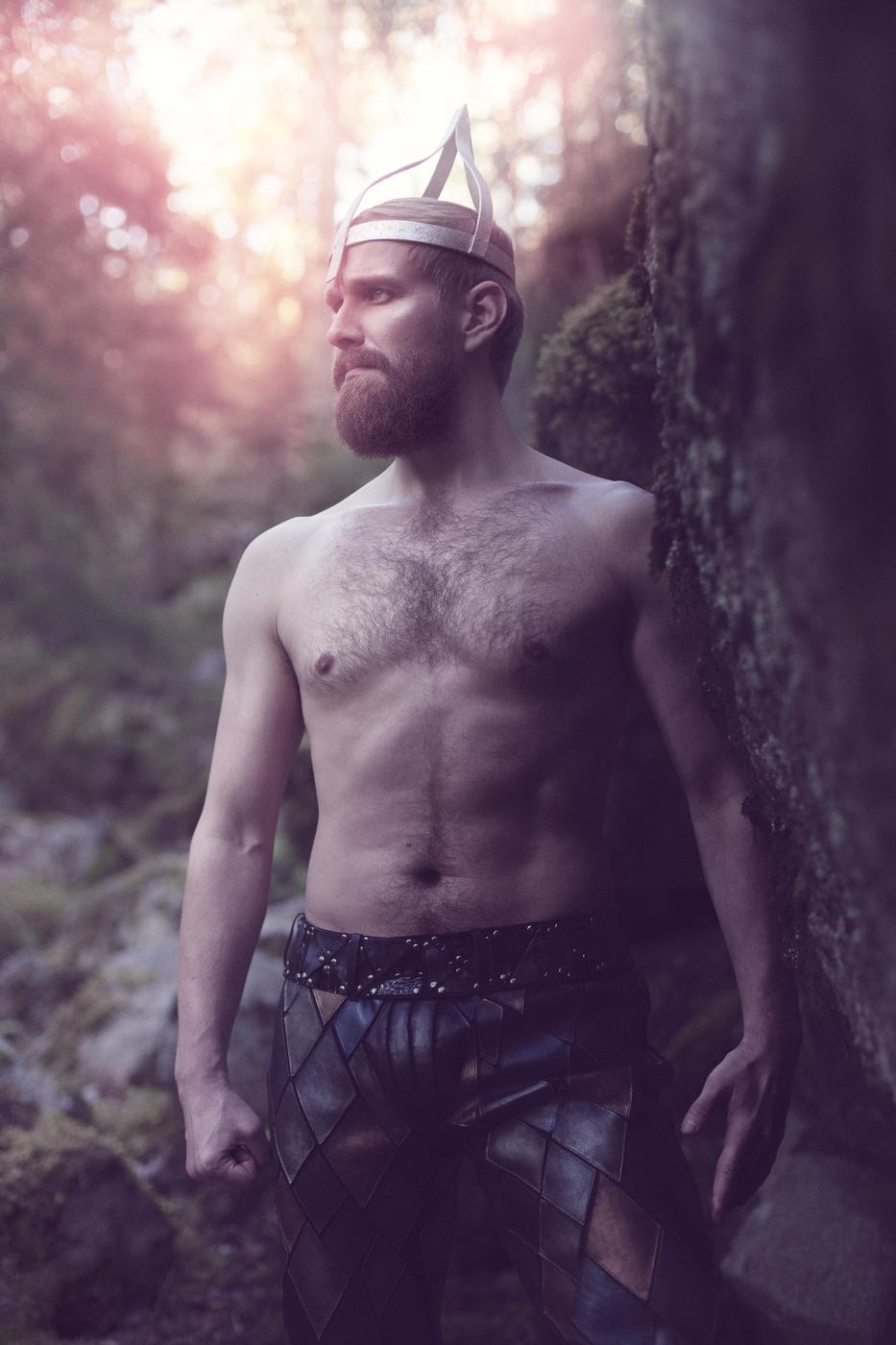 Kalevalanmaa-Ballet_Vainamoinen_Photo-Saara-Salmi-hires.jpg