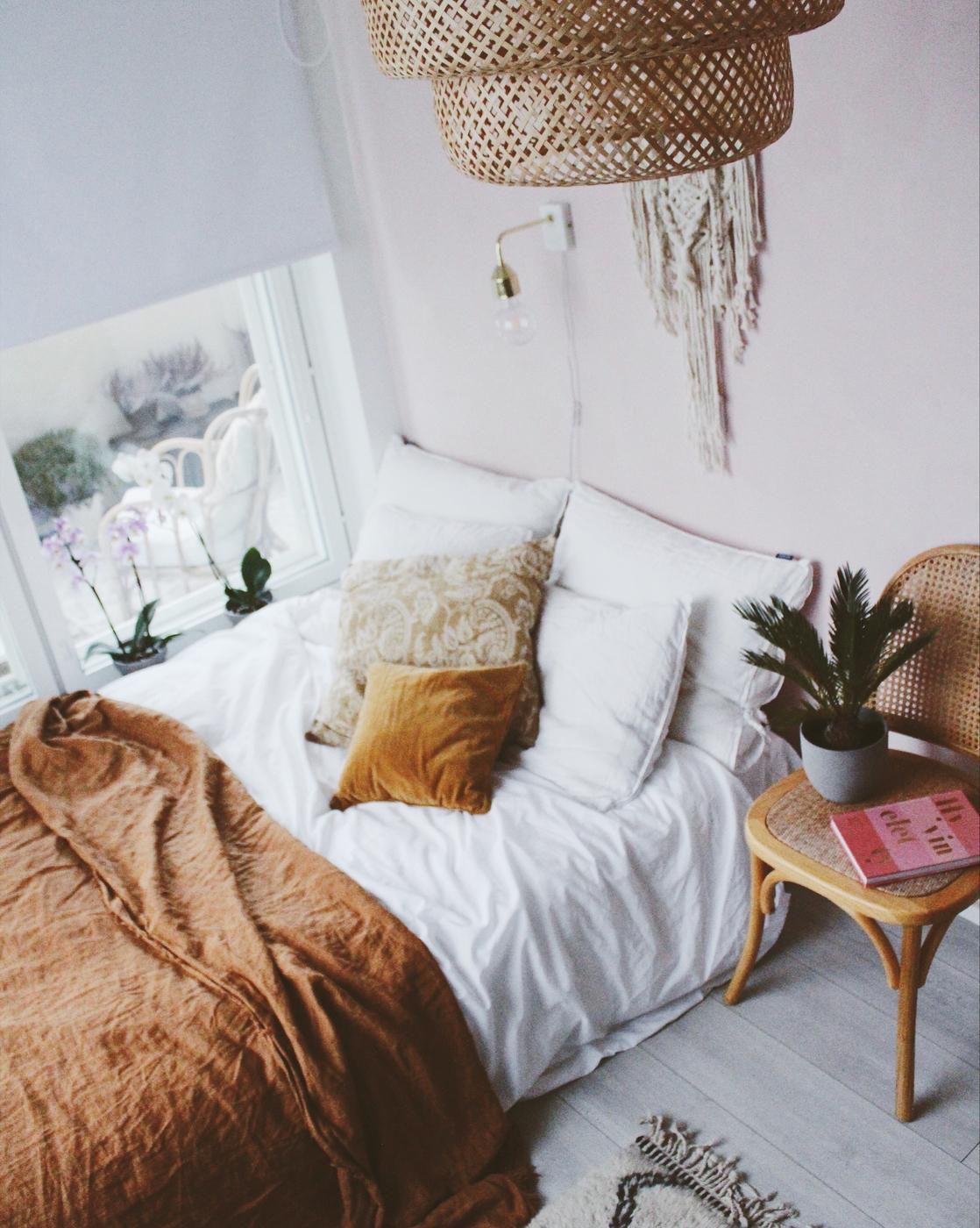 Makuuhuoneen kulmakivet ja vinkit hyviin uniin