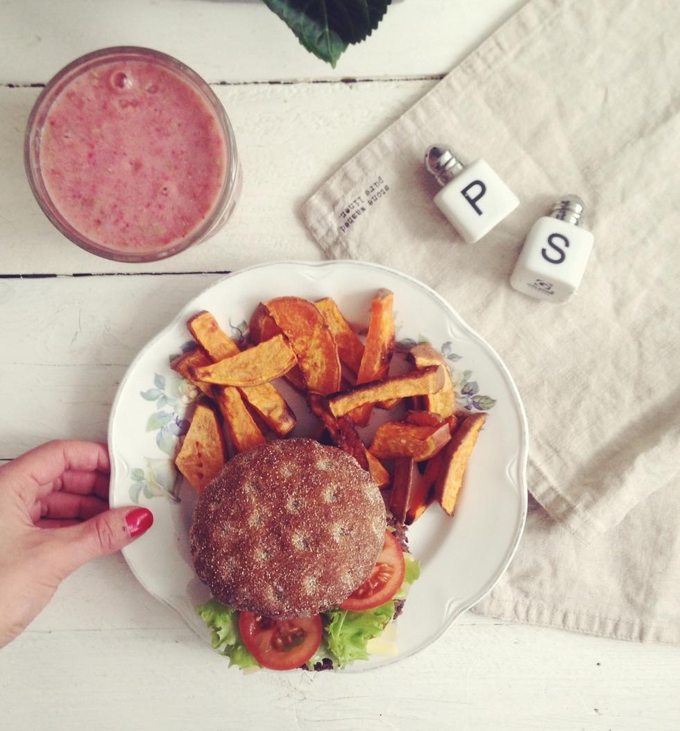 vegaaniset mustapapuburgerit.jpg