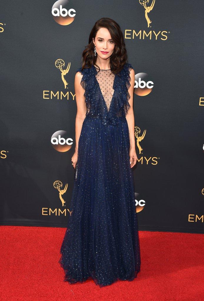 Emmys 2016 Abigail Spencer.jpg