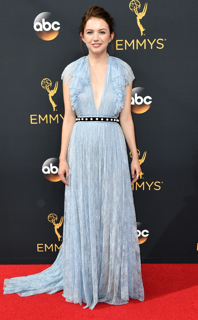 Emmys 2016 Hannah Murray.jpg