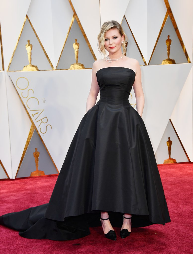Oscars 2017 Kirsten Dunst.jpg