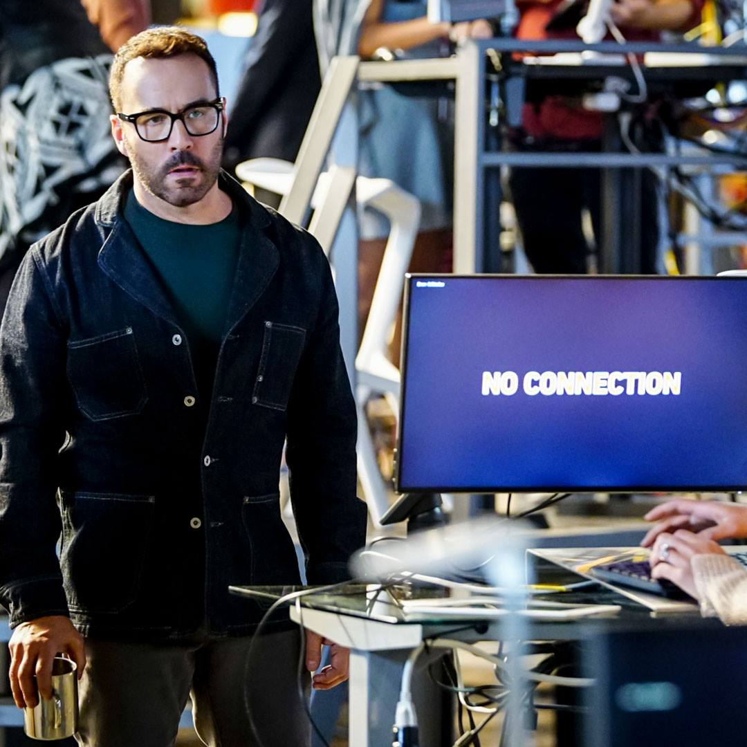 Wisdom of the Crowd CBS Jeremy Piven.jpg