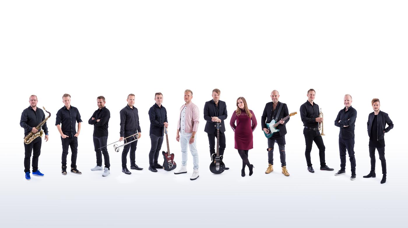 Yle SuomiLOVE kausi 4 band.jpg