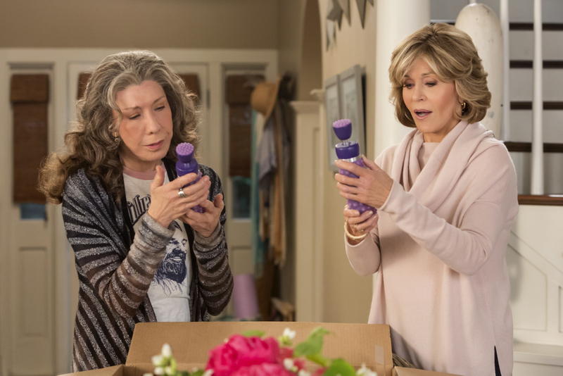Grace and Frankie S3 Tomlin Fonda.jpg