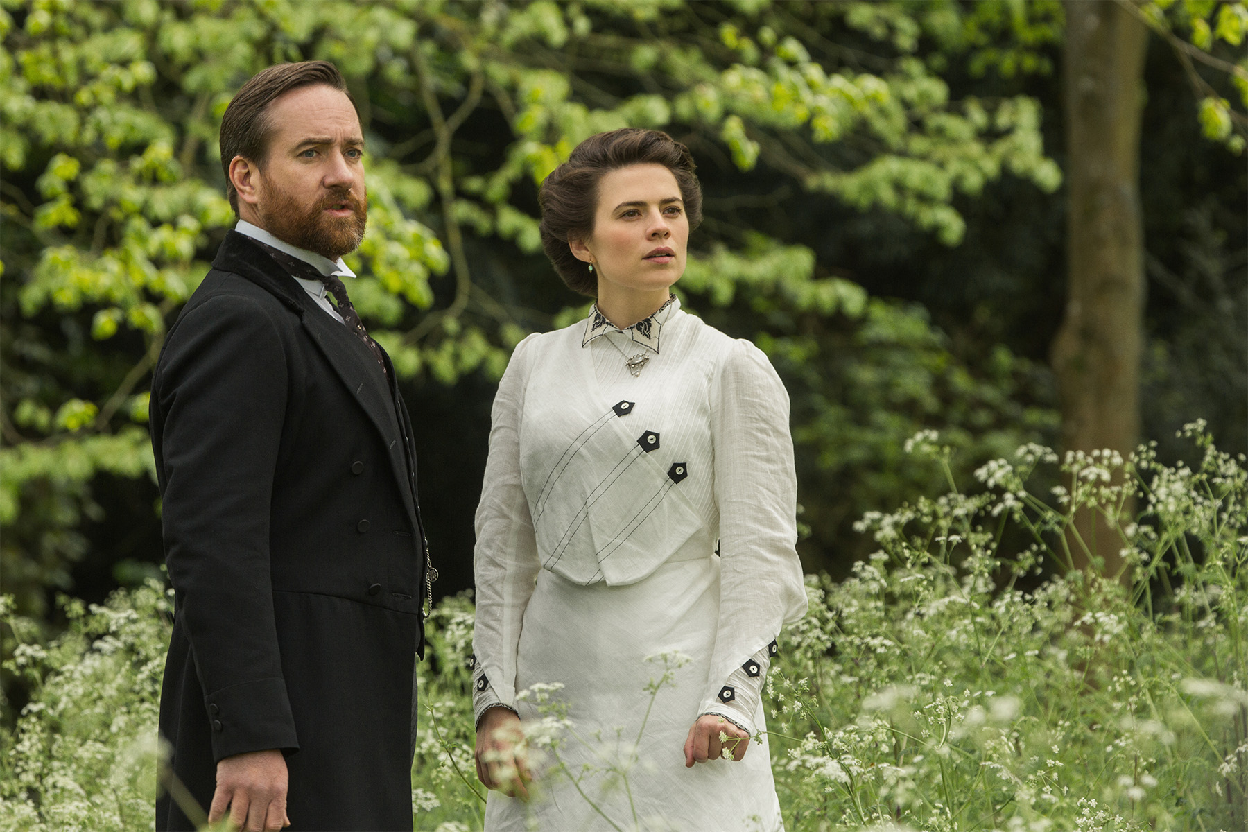 howards_end_hayley_atwell_matthew_macfadyen.jpg