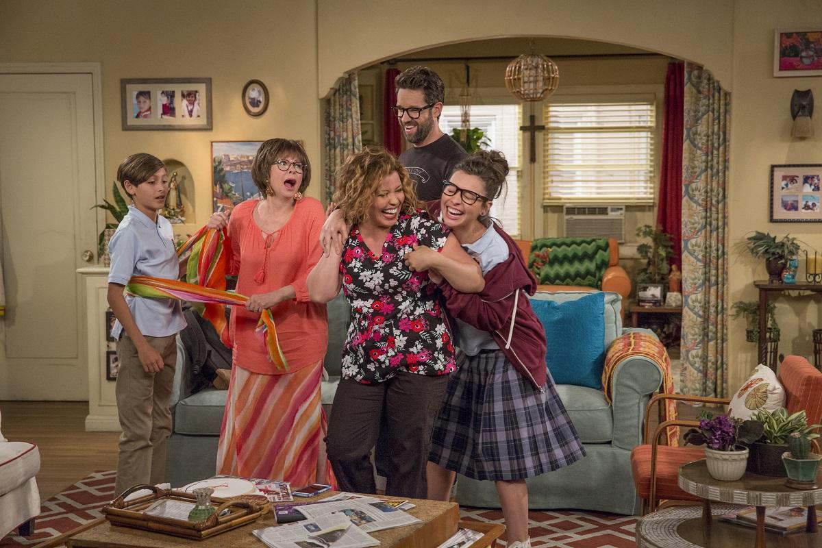 Hyvän mielen TV-sarjat: Moderni perhekomedia ja pikkukaupungin menoa