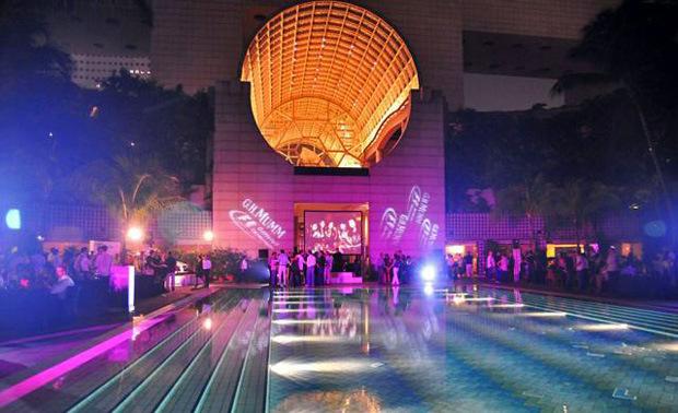 the-podium-lounge-graphic-pool.jpg