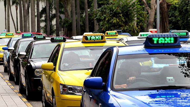 Tilaa taksi!