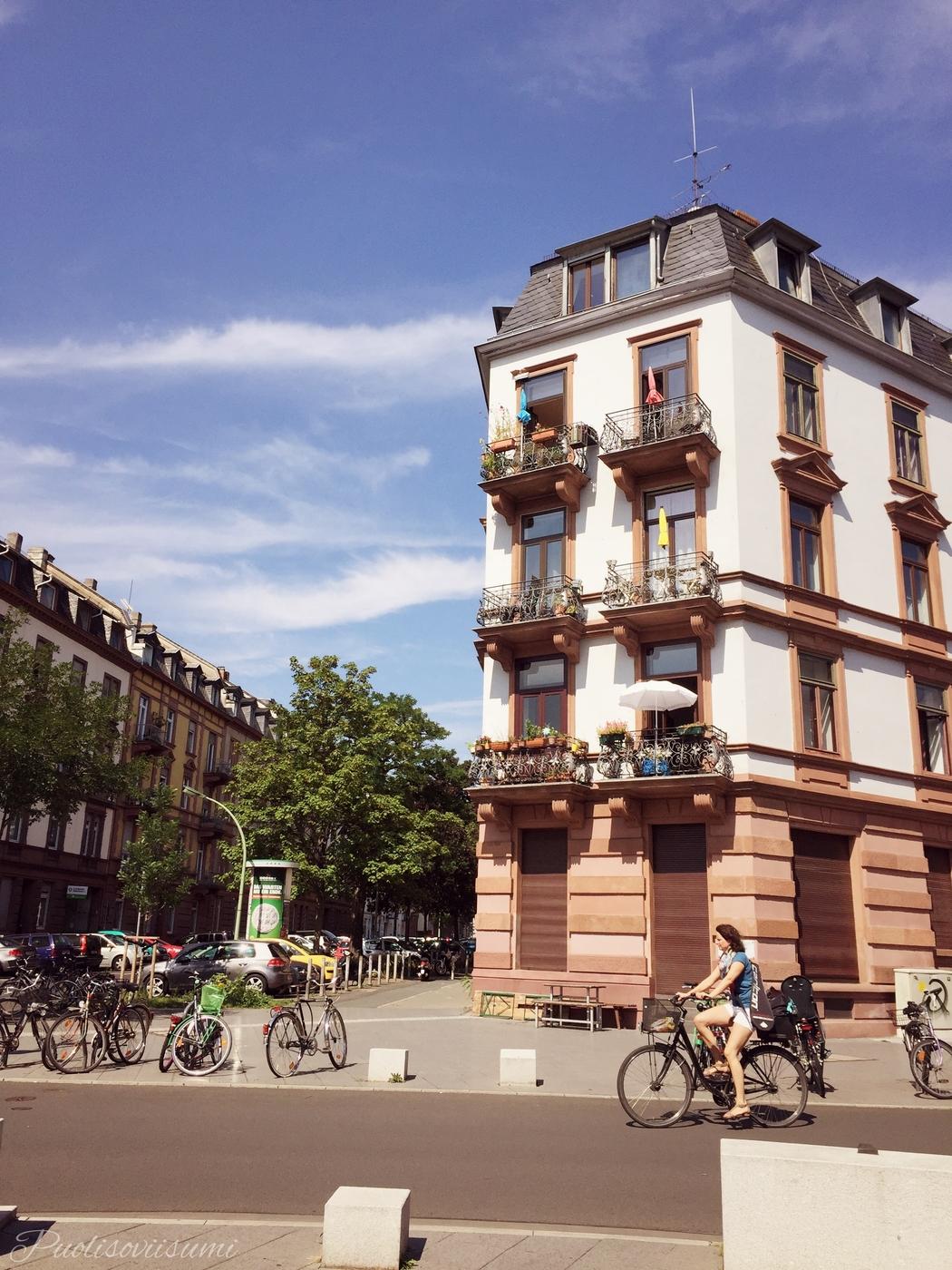 Hei Frankfurt! Hauska tutustua.