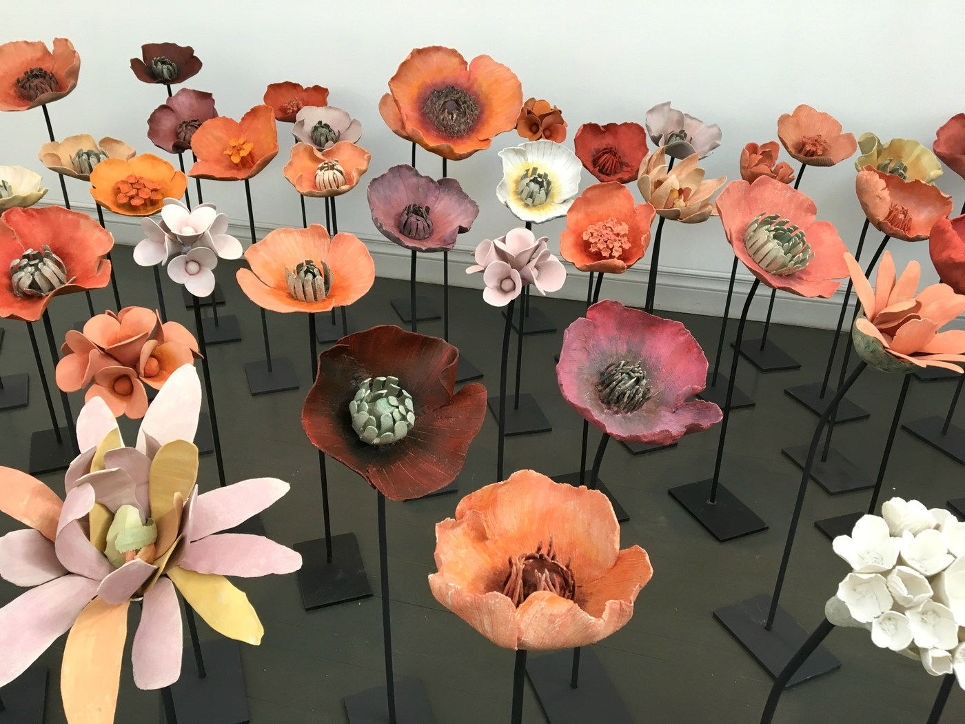 Kukkameren keskellä – Pentik Taidehallissa