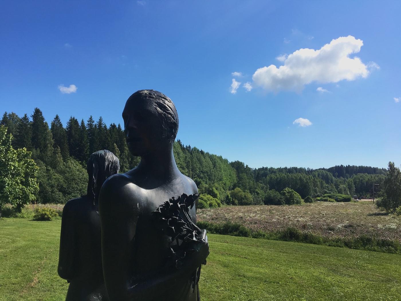 Taideretki Vantaalle: Nissbackan kartanon veistospuisto