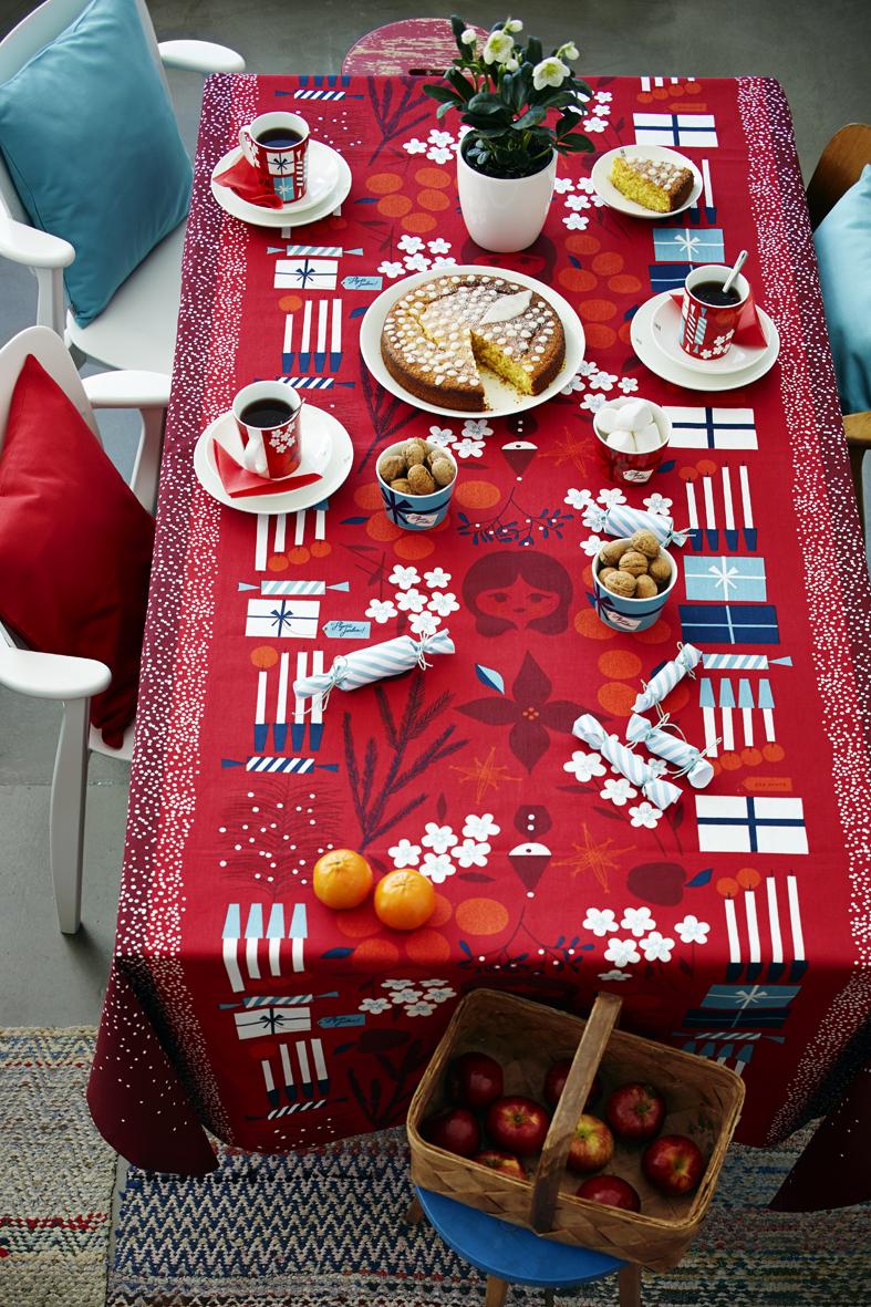 House Aatonaatto ruokapöytä.jpg