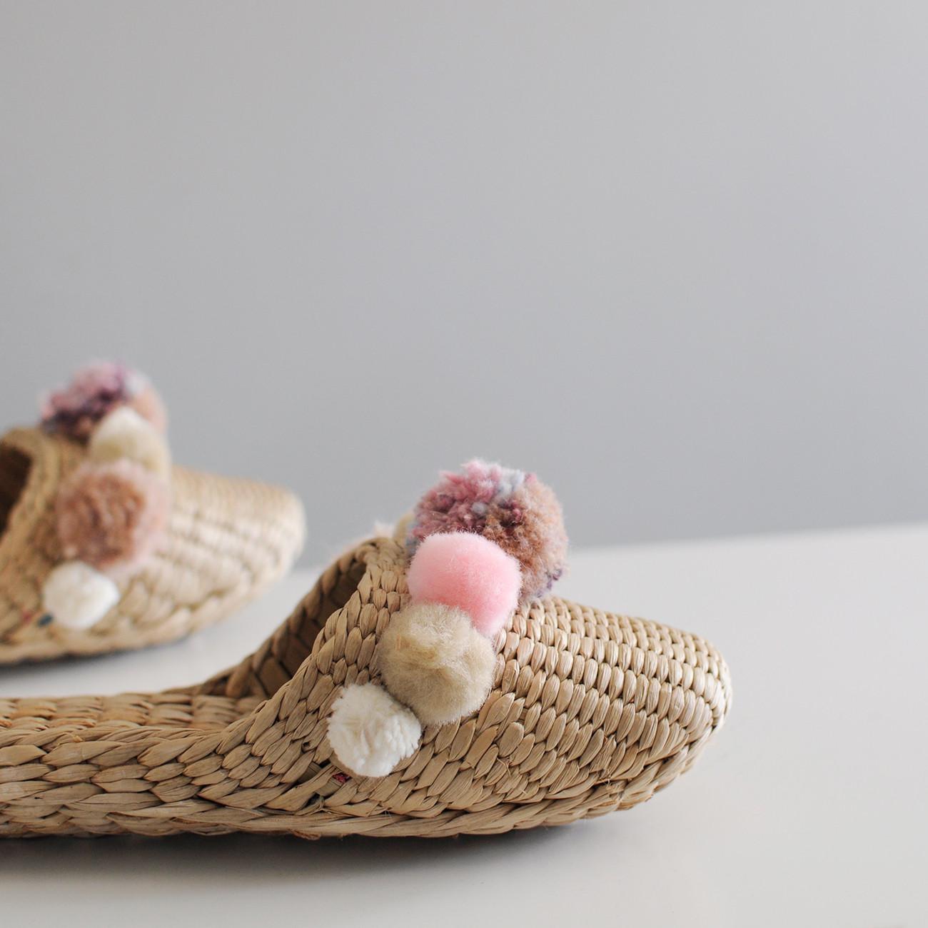 pompom-slippers-pink-quartz-closeup.jpg