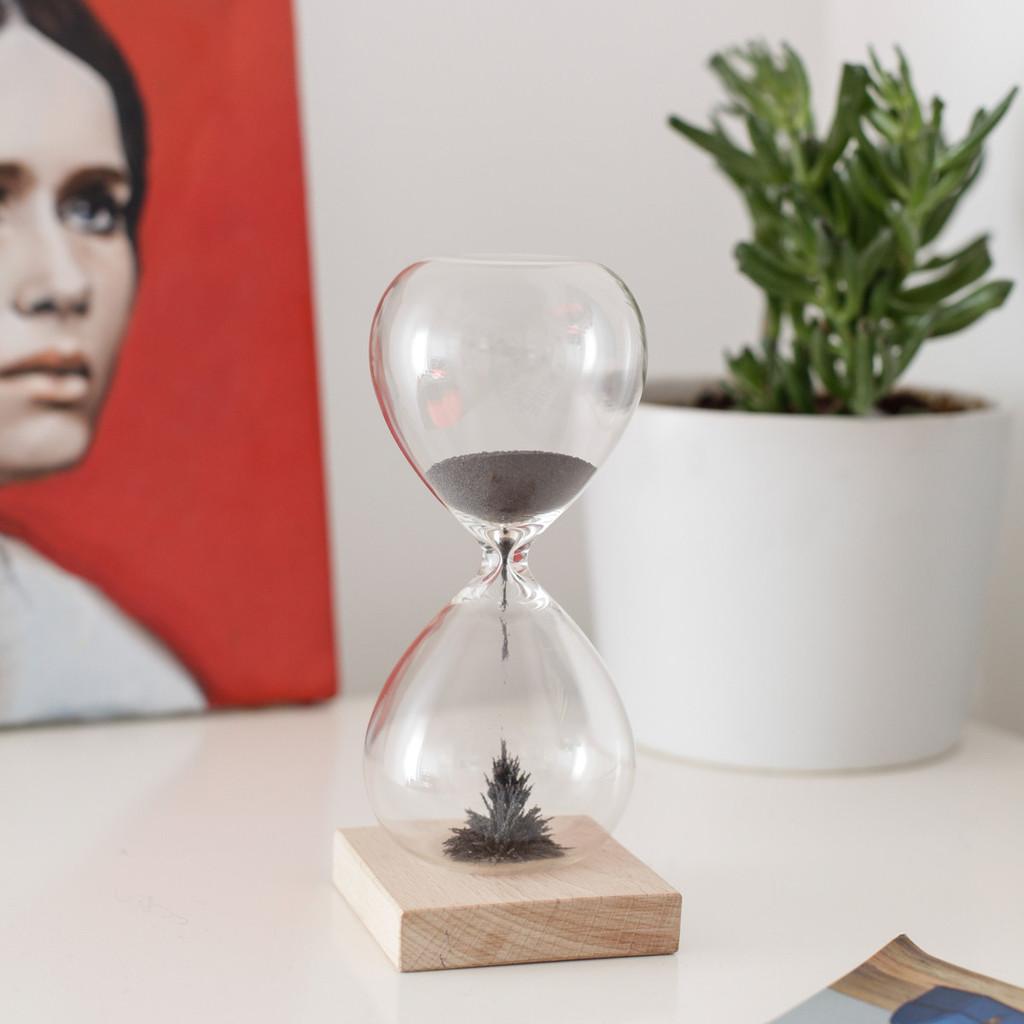 hourglass-styled_1024x1024.jpg