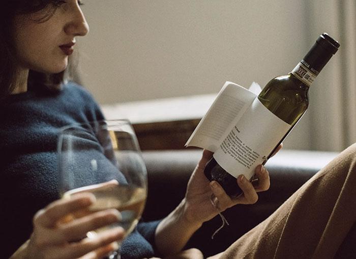 Viiniä ja lukemista