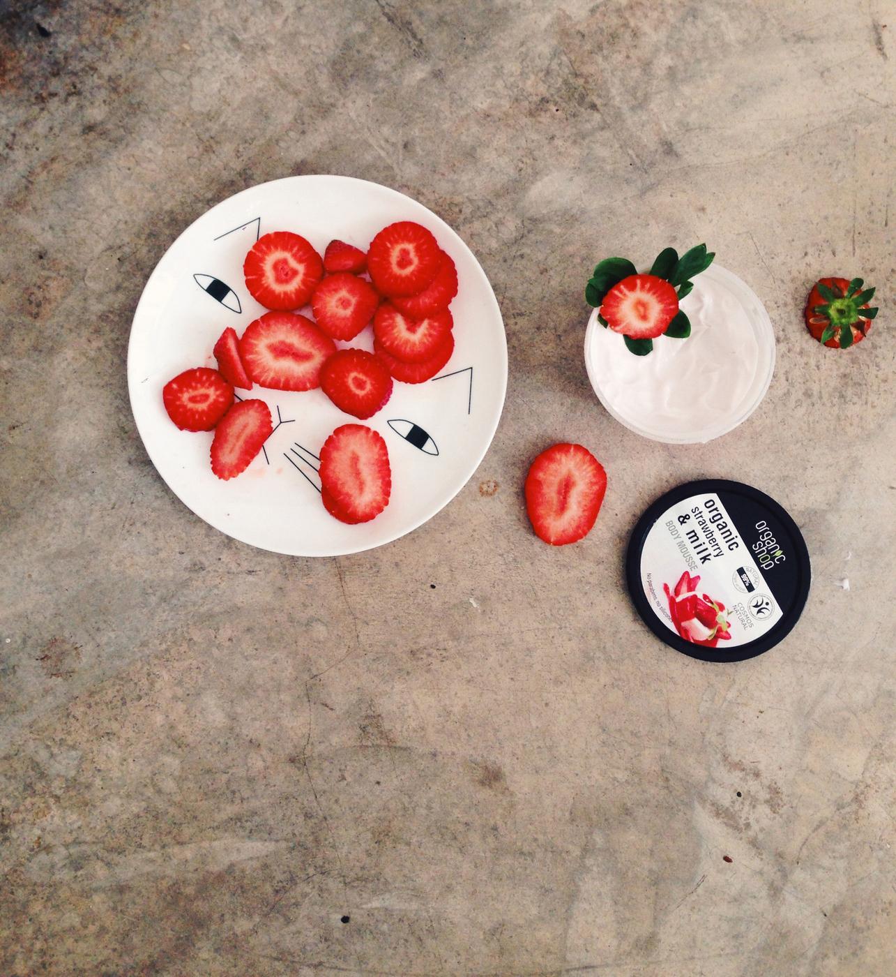 organic shop strawberry.JPG