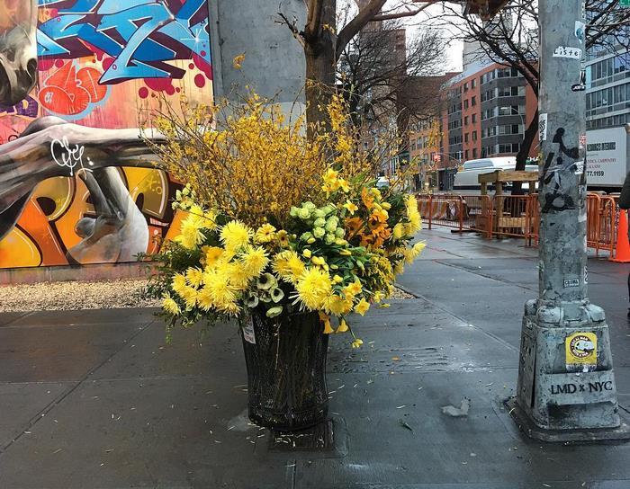 trash-cans-flowers-new-york-lewis-miller-5.jpg