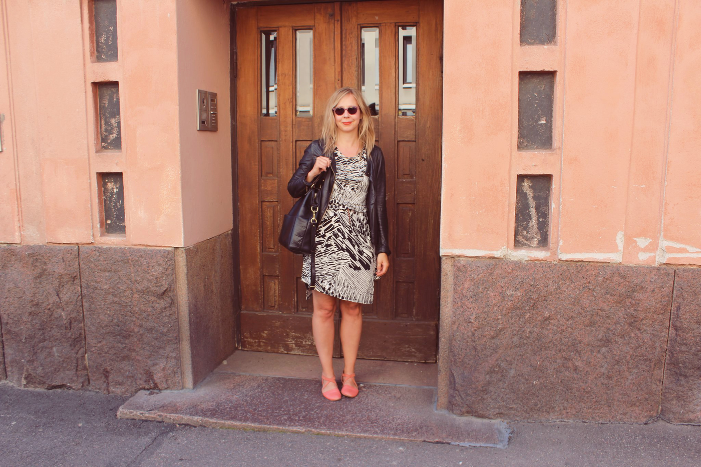 Hymytyttönä Helsingissä