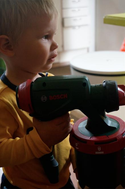 BOSCH PFS 5000E maaliruiskujärjestelmä Julle pistoolin kanssa.png