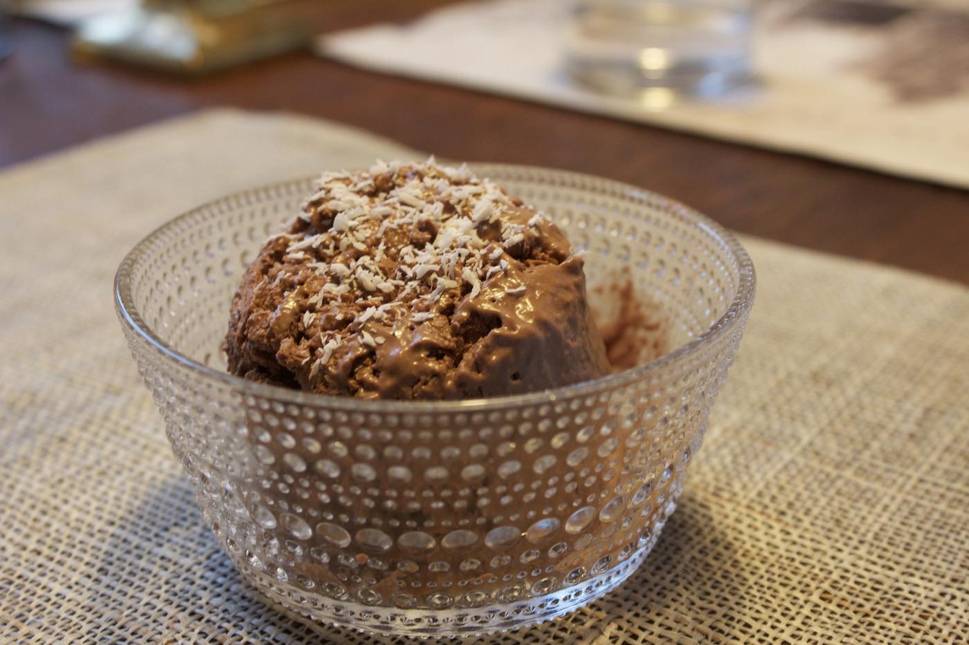 Suklaa-kookosjäätelö à la Veera