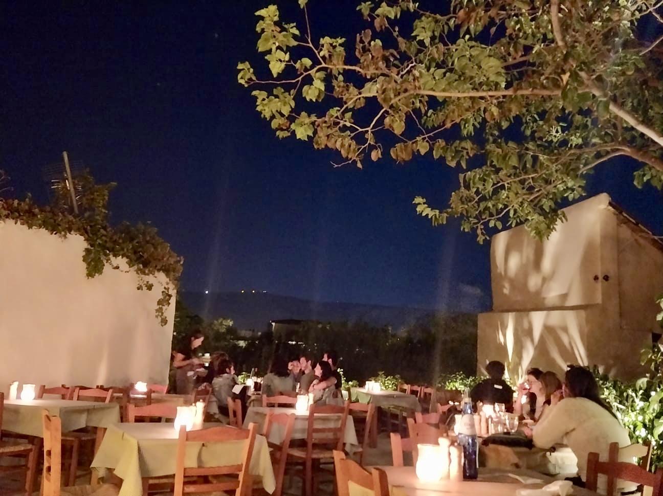 Yksi parhaista ravintoloista Plakassa, Ateenassa