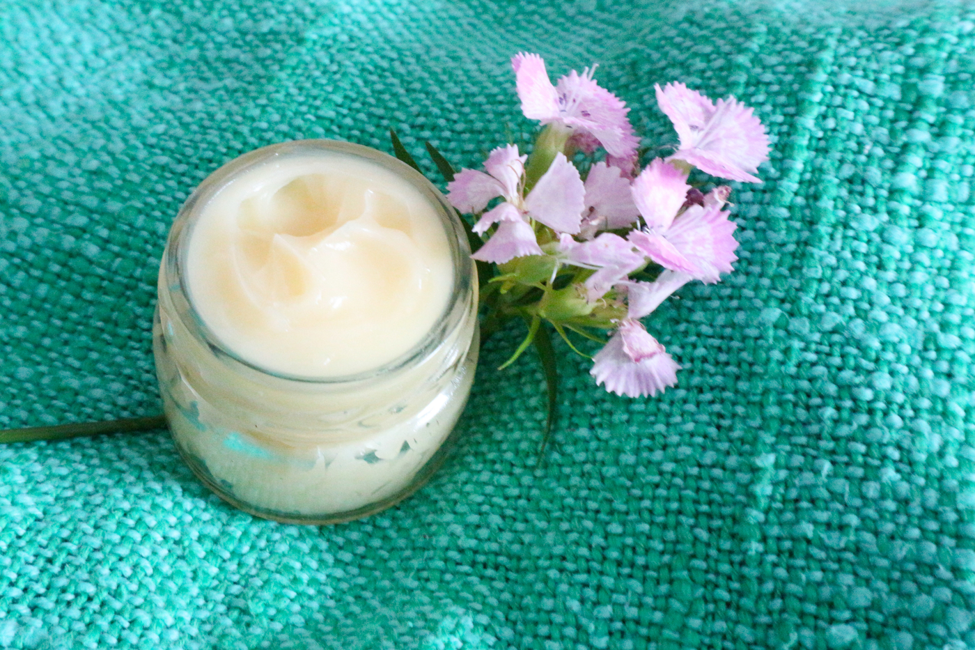 DIY kosmetiikka – Hoitovoide kuivalle iholle