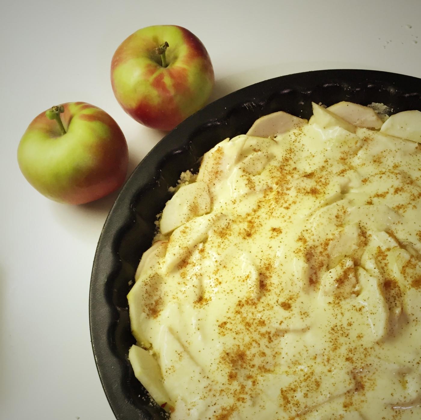 helppo ja kevyt omenapiirakka - resepti