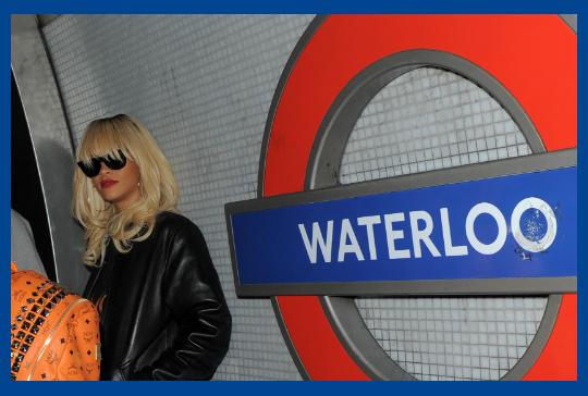 Rihanna esittelee vaatemallistonsa Lontoon muotiviikolla