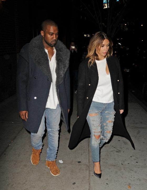 Kim Kardashian ja Kanye West perusasioiden äärellä, eli kumpi puki paremmin?